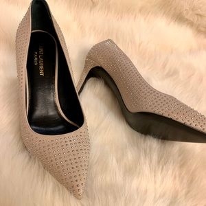New Saint Laurent studded beige leather pumps